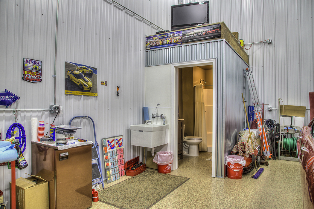normal-garage-bathroom